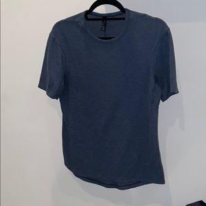 Men's XS Lululemon shirt
